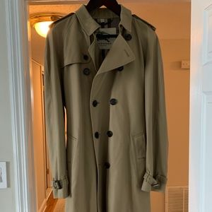 Burberry Long Heritage Trench Coat - Never Worn